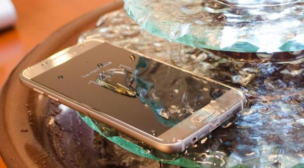 Galaxy S7 nâng cấp tính năng này lên mức tiêu chuẩn IP68